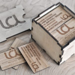 carti-vizita-din-lemn