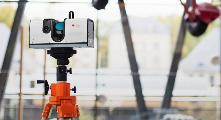 Scanner 3D portabil Artec Ray